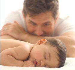 赤ちゃんとお父さん